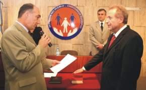 El Ombudsman, Eduardo Mondino, le toma juramento al Defensor Adjunto Segundo, Dr. Juan Jesús Mínguez