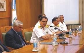 Las autoridades encabezadas por el ministro de Gobierno, Lorenzo Emilio Fernández; el jefe de Policía, Miguel González; el secretario de Justicia, Guillermo Leonardi; el secretario de Seguridad, Dante Marinero, entre otros funcionarios.