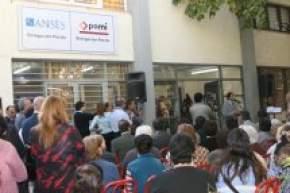 Gran cantidad de asistentes en el acto en que se inauguraron las delegaciones de PAMI y ANSES en el Municipio de Pocito