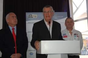 Enrique Meyer (Secretario de Turismo de la Nación), Gobernador de San Juan José Luis Gioja y Etienne Lavigne (director organizador del Dakar)