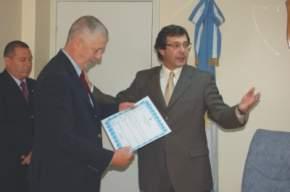 El vicegobernador José Rubén Uñac entregó al Dr. Pedro H. Picco la Declaración de