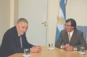El Vicegobernador de la Provincia en ejercicio del P.Ejecutivo, José Rubén Uñac recibió al Dr. Pedro Picco en la sala de situación de la Presidencia de la Legislatura Provincial
