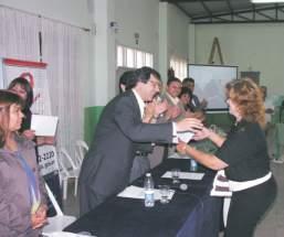 Entrega de certificados de capacitación laboral en San Martín