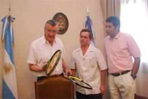 El gobernador Gioja con el Dr. Larrea y el director de Recreación y Turismo Social, Silvio Atencio