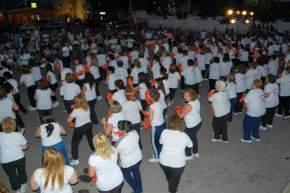 Más de 700 personas participaron del cierre de las Pistas de Salud donde las mujeres que participaron despidieron el año con una coreografía con música latina