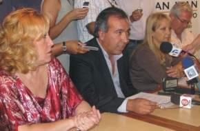 El secretario de Estado de Turismo, Dante Elizondo informó sobre la participación ciudadana en esta nueva edición de la FNS 2010 tanto para la elección del jurado como de la próxima reina
