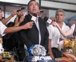 El Secretario de Turismo, Dante Elizondo, en la presentación de las maquetas de los carruajes del Carrusel del Sol 2010