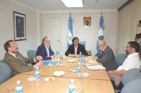 Previo al desarrollo del Foro sobre Salud, el vicegobernador Uñac recibió a los disertantes en la presidencia de la Legislatura