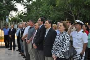 Acto en la plaza principal de Chimbas, autoridades presentes