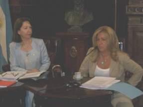 Senadoras Marina Riofrío y Sonia Escudero