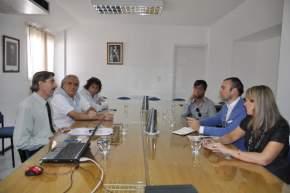 El diputado Víctor Doña con representantes de la empresa española Avangreen