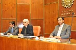 Presidió la sesión preparatoria el Vicepresidente 1º, Eduardo Bustelo junto a los secretarios Administrativo y Legislativo, Dres. Orelo y Baistrochi, respectivamente