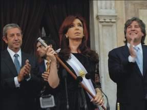 Habiendo jurado y con los atributos del mando, Cristina inicia su 2º mandato presidencial