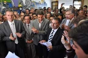 El vicegobernador Uñac, el ministro de Gobierno Cuevas, el nuevo subsecretario de Trabajo Correa Esbry y presentes