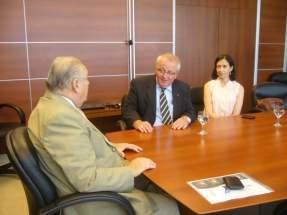 El ministro de Minería, Felipe Saavedra con directivos de de la empresa Minera Peregrine Argentina S.A.