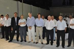 Autoridades presentes junto a los empresarios de Átomo que inauguró una sucursal en Pocito
