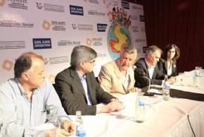 El gobernador José Luis Gioja destacó la temática a tratar en la jornada-taller con periodistas locales y nacionales