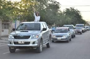Caravana de autos recorrió Rawson promocionando a su reina Vanesa Céspedes