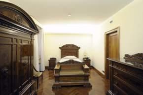 El dormitorio propiamente dicho de cada suite de la Casa Santa Marta