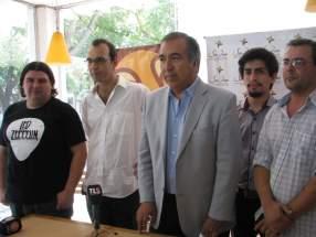 El ministro Elizondo con los nuevos directores musicales de la FNS2014