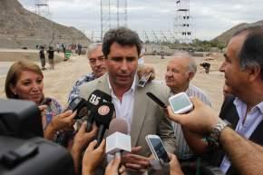 El vicegobernador Sergio Uñac anuncia a los medios de comunicación quiénes vendrían a la FNS2014