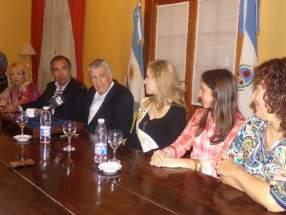 El gobernador Gioja junto al ministro de Turismo, Elizondo y las reinas de la FNS'2014, anunció el tema de la próxima edición