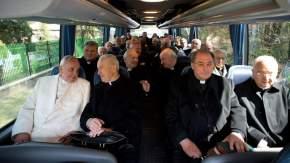 En el ómnibus, el Papa viajó 40 minutos hasta el Vaticano