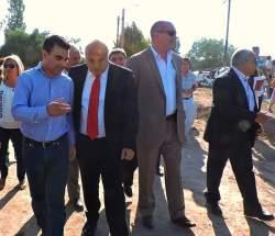 El vicegobernador Lima, con el intendente Fabián Gramajo, el ministro de Planificación e Infraestructura Julio Ortiz Andino y demás funcionarios