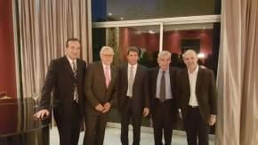 El gobernador Uñac con el ministro de Interior Burgos Varela, el embajador argentino en Chile, Octavio Bordón; el ministro de Planificación Ortiz Andino