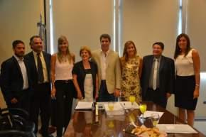 Autoridades encabezadas por el gobernador Uñac y directivos de la Fundación del Banco San Juan