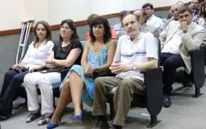 Con la sala repleta de la Legislatura provincial los protagonistas del cruce contaron historias y anécdotas