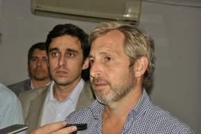 El ministro del Interior, Obras Públicas y Vivienda, Rogelio Frigerio hizo declaraciones en el aeropuerto D.F.Sarmiento
