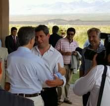 El gobernador Sergio Uñac da la bienvenida al presidente Mauricio Macri