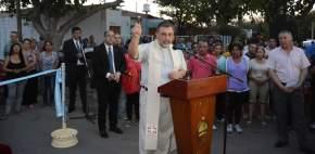 El presbítero Roberto Casasola tuvo a su cargo las bendiciones