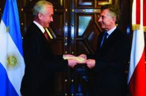 Embajadores de Rumania, Noruega, Eslovenia, Polonia, Serbia, Nueva Zelandia y de la Unión Europea.