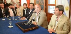 El ministro de Planificación e Infraestructura, Julio Ortiz Andino explicó sobre el programa de pavimentación