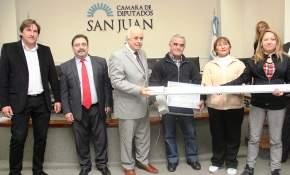 Entrega de beneficios a distintas instituciones sanjuaninas