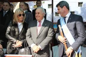 El gobernador Uñac y el vicegobernador Lina en el palco durante el desfile