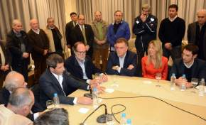 El gobernador Uñac en el cierre de la conferencia de prensa