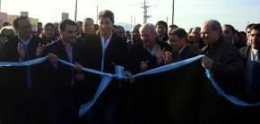 Corte de cintas inaugurando el barrio de Chimbas