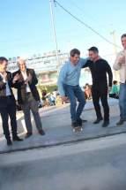 El gobernador Uñac y el intendente Aranda intentaron practicar skate
