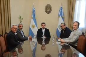 Funcionarios nacionales y provinciales con el gobernador Uñac