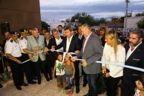 Corte de cintas inaugurando el nuevo edificio del Departamento Bomberos y Policía Ecológica
