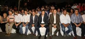 Autoridades presentes en el acto inaugurando repavimentación de calles de Capital