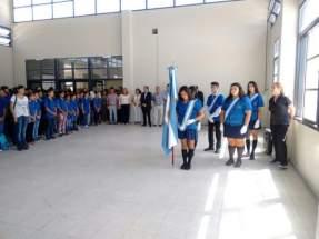 El intendente Juan Carlos Abarca y la diputada Cristina López en el inicio del año lectivo en el flamante edificio de la EPET Nº 1 - Albardón