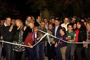 Corte de cintas inaugurando la repavimentación de arterias de Villa Del Parque