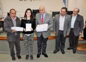 San Juan Escribe-Edición 2016: los ganadores recibieron ejemplares de sus obras