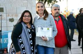 Directora de Turismo municipal, Karen Achiles recibe reconocimiento