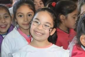 Los chicos que asisten a las escuelas Villicum y Regimiento de Patricios, ubicadas en Campo Afuera y Las Lomitas, respectivamente, recibieron atención oftalmológica y del registro civil