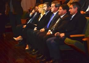 Ministros, intendentes, legisladores en el acto